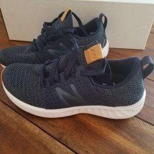 NEW BALANCE Sneakers Womens size 6 NEW